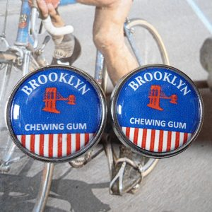Brooklyn handlebar end plug